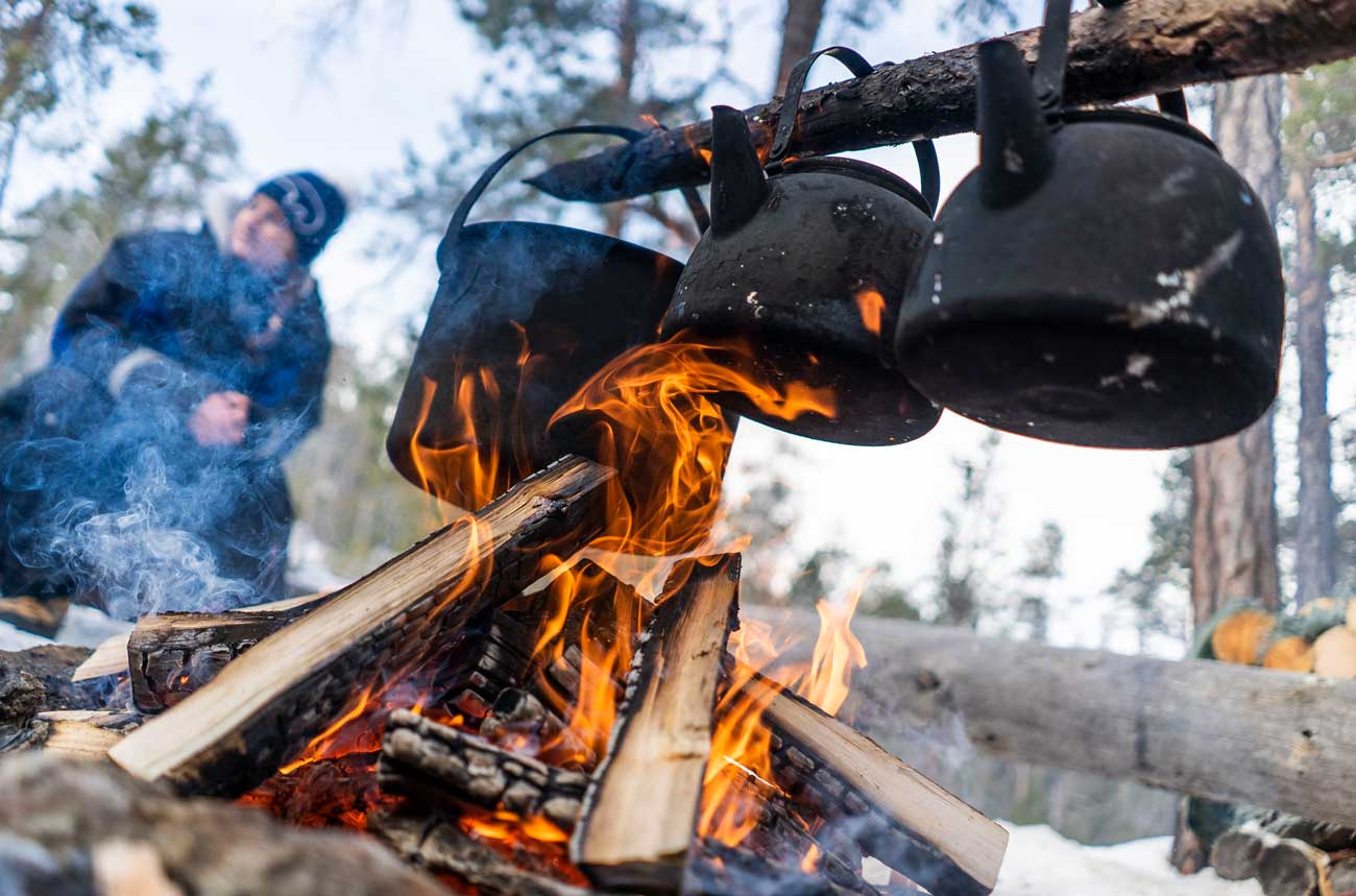 Come and enjoy an unforgettable husky safari and Lappish lifestyle!